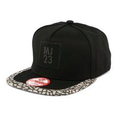 c74a3c9433c Snapback MJ 23 Noir Panthère  mode  nouveaute  Casquette sur  hatshowroom.com…