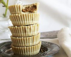 raw tahini cups with coffee cream filling from rawsome vegan baking. are these going to taste as good as they look? Superfood Recipes, Raw Food Recipes, Dessert Recipes, Healthy Recipes, Cream Filling Recipe, Filling Food, Raw Vegan Desserts, Clean Eating Desserts, Vegan Treats