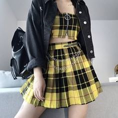 Ways to Wear Chic Grunge Outfits in Spring Hipster Outfits, Teen Fashion Outfits, Gothic Outfits, Cute Casual Outfits, Edgy Outfits, Kpop Fashion, Mode Outfits, Korean Outfits, Grunge Outfits