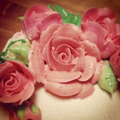 Buttercream roses by  Reva Alexander-Hawk for Merci Beaucoup Cakes