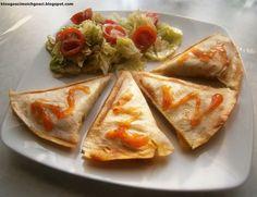 Mini quesadillas czyli tortilla z...tostera :) z farszem pieczarkowo-porowym z kurczakiem i serem