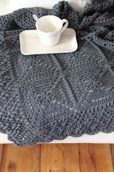 Beautiful Blanket Crochet pattern by Maaike van Koert - Granny Square Crochet Chart, Crochet Blanket Patterns, Knitting Patterns, Sewing Patterns, Simply Crochet, Manta Crochet, Crochet Magazine, Red Heart Yarn, Weighted Blanket