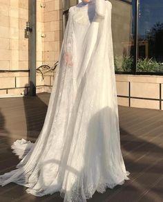 Beautiful Eye Makeup, Beautiful Eyes, Hijabi Wedding, Wedding Dresses, Hijab Bride, Henna Mehndi, Modest Dresses, Beautiful Gowns, Muslim
