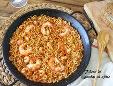 Fideua de gambas al ajillo sabroso, Receta Petitchef Pasta Recipes, New Recipes, Couscous, Paella, Risotto, Macaroni And Cheese, Cravings, Seafood, Rice