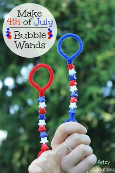 of July Bubble Wands and other fun Patriotic Crafts for kids. 4th July Crafts, Fourth Of July Crafts For Kids, Patriotic Crafts, 4th Of July Party, July 4th, Patriotic Party, Summer Crafts For Toddlers, Summer Camp Crafts, Summer Activities For Kids