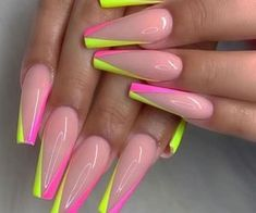 1000+ images about ℕℐℂℰ 💅🏼ℂℒᎯᏇЅ on We Heart It   See more about nails, beauty and manicure Glow Nails, Aycrlic Nails, Nail Manicure, Swag Nails, Bling Nails, Grunge Nails, Pedicure, Acrylic Nails Coffin Short, Summer Acrylic Nails