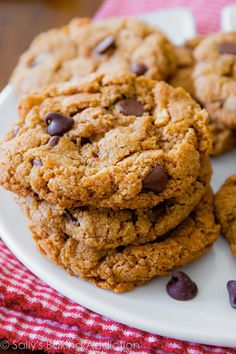No mixer and only 5 ingredients in these healthier chocolate chip cookies! Easy recipe on sallysbakingaddiction.com