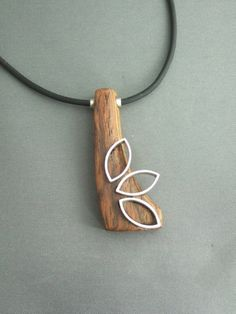 wood and leaves pendant