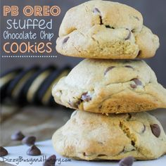 Oreo Chocolate Chip Cookies Decadent, giant chocolate chip cookies stuffed with Peanut Butter Oreo cookies.Decadent, giant chocolate chip cookies stuffed with Peanut Butter Oreo cookies. Oreo Cookies, Yummy Cookies, Chocolate Chip Cookies, Yummy Treats, Sweet Treats, Oreo Stuffed Cookies, Easy Desserts, Delicious Desserts, Yummy Food