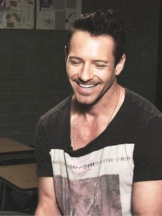 Ian Bohen, you just simply HAVE to love him <3 // <~~~~ yes, yes you have