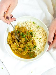 No browning, no preparation. Just leave this Slow Cooker Chicken Curry to bubble away and come home to the most delicious curry. Curry Chicken And Rice, Slow Cooker Chicken Healthy, Slow Cooker Recipes, Chicken Marinade Recipes, Chicken Marinate, Coconut Milk Curry, Curry Dishes, Yum Yum Chicken, Curry Recipes