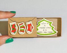 Artículos similares a VENTA: Tarjeta de Navidad romántica / Birdy muérdago vamos a Kiss - tarjeta de Navidad de amor / día de fiesta tarjeta / nuevo año tarjeta Matchbox / pequeña caja de regalo en Etsy