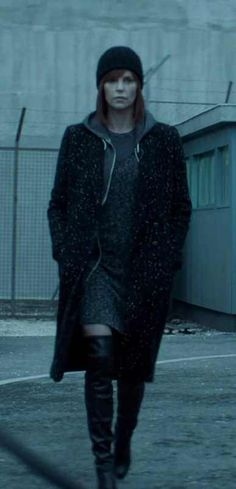 Post with 5103 views. Atomic Blonde Outfits, Charlize Theron, Minimal Fashion, Outfit Of The Day, Winter Outfits, Winter Fashion, Style Inspiration, Actresses, My Style