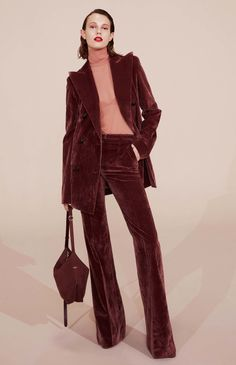 #NinaRicci  #fashion  #Koshchenets     Nina Ricci Resort 2017 Collection Photos - Vogue