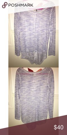 Anthropology Sweater Anthropology long sleeve thin sweater with asymmetrical hem line. Size Medium. Anthropologie Sweaters Crew & Scoop Necks