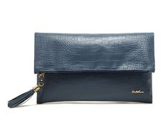 Crocodile Print Clutch  Price: £25.99  【Size】34×34cm (folded 34×21cm) 【Weight】220g  【Material】PU with Crocodile print 【Color】Deep Blue, Burgundy