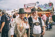 Oktoberfest Outfit, Mid Length Hair, Shoulder Length Hair, Popular Hairstyles, Loose Hairstyles, Floral Headdress, Hair Grips, Beer Festival, Lederhosen