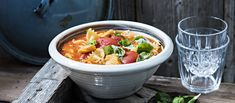 Thai Red Curry, Nom Nom, Salsa, Ethnic Recipes, Food, Red Peppers, Gravy, Salsa Music, Meals