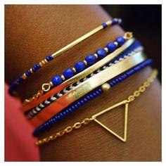 Bracelet manchette femme bleu roi & doré fait main boho bohème perles de rocailles Miyuki é Facettes de Bohême, cordon simili doré et bracelet brésilien bicolore https://www.alittlemarket.com/bracelet/fr_bracelet_manchette_bleu_roi_doree_boheme_-19164270.html