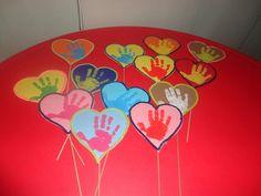 hearts Tweety, Toddlers, Valentines Day, Friendship, Hearts, Craft Ideas, Character, Saint Valentine, Dia Del Amigo