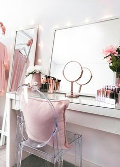 Beauty room, make-up vanity and storage with Ikea Malm dressing table, Ikea Mir . - Do it yourself - Beauty room, makeup vanity and storage with Ikea Malm dressing table, Ikea Mir … - Ikea Malm Dressing Table, Dressing Tables, Dressing Table Organisation, Dressing Table Goals, Dressing Table Mirror, Dressing Rooms, Ikea Makeup Vanity, Diy Makeup, Beauty Makeup