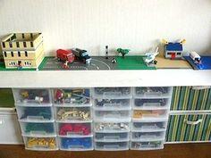 工作台を兼ねた収納スペースで、スペースを効率活用