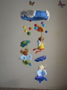 Arc-en-ciel pluie aiguille waldorf feutré inspiré par Made4uByMagic                                                                                                                                                                                 Plus