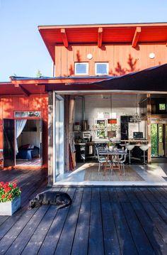 Se Claes och Madeleines paradis i Stockholms skärgård
