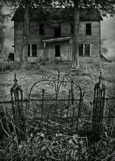 Spooky old house. I sure could do alot with that old gate and fence