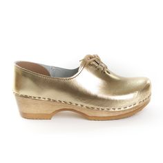 Lace Up Closed Back Clogs by Sven Clogs http://www.svensclogs.com/catalogsearch/result/?q=7213+7263+7214+7264