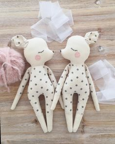 Sonntags in der Puppenwerkstatt. The post Sonntags in der Puppenwerkstatt. appeared first on Kinder Mode. Baby Dolls For Toddlers, Toys For Girls, Baby Kids, Kids Dolls, Child Doll, Doll Sewing Patterns, Sewing Dolls, Doll Crafts, Cute Crafts