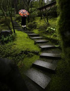 Home and Garden News in the Northwest: Volunteer at the Portland Japanese Garden, Attract Wildlife, and Create a Rain Garden Portland Japanese Garden, Japanese Garden Design, Japanese Gardens, Modern Gardens, Small Gardens, Japanese Style, Rain Garden, Garden Paths, Garden News