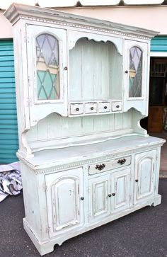 hutch. I like the four drawers in a row. I think I would modify it to include bins for storing potatoes and onions etc.