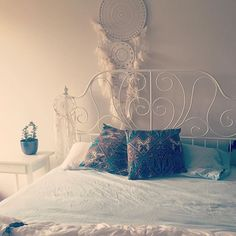 #boho #bedroom #garagesale & #gumtree #bargains 🌿💕🏡 #goldcoastlife #paisley #ishka #dreamcatcher Ikea Bedroom, Bedroom Decor, Gold Coast, Dream Catcher, Paisley, Xmas, Boho, Instagram Posts, Home Decor