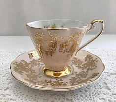 A beautiful china tea cup and saucer, made by Royal Standard in England. It is in good condition, no chips, cracks or crazing. Please Note: The items I sell are not new, they are vintage or antiques, it goes without saying that there maybe some imperfections which I will try my