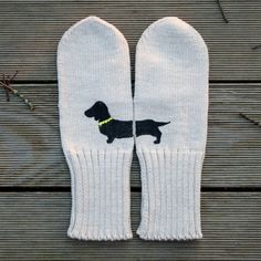 Perfect for keeping your hands warm as you walk your dachshund. (@jan issues issues issues issues issues issues Wilke Mennies !!)