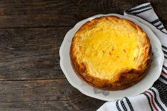Pasca este desertul specific sărbătorii de Paște, așa că te învățăm cele mai bune rețete. Îți spunem pas cu pas ce ai de făcut pentru a face pască acasă. Mai, Cornbread, Ethnic Recipes, Desserts, Food, Millet Bread, Tailgate Desserts, Deserts, Essen