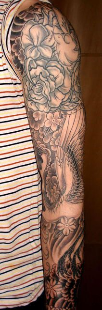 Tattoo arm sleeve men adam levine New Ideas Adam Levine Tattoos, Script Tattoo Placement, Tattoo Script, Tattoo Fonts, Leg Tattoos, Flower Tattoos, Arm Tattoo, Sleeve Tattoos, Cloud Tattoo Sleeve