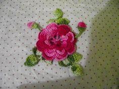 Flor de croche com folhas para aplique parte 1 - YouTube