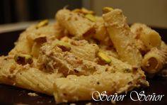 Pasta con salsa de pistachos y atún | Receta de Sergio