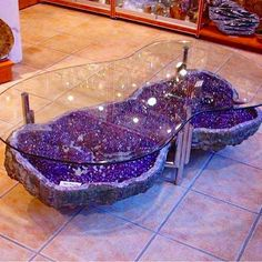 Gypsy home decor. - Home Designs 2017 Crystal Furniture, Crystals In The Home, All Things Purple, Purple Stuff, Crystal Decor, Dream Rooms, Cool Furniture, Table Furniture, Furniture Ideas