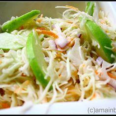 Salata de varza cu mere si dressing de iaurt Vegetable Recipes, Vegetarian Recipes, Cooking Recipes, Healthy Recipes, Dubai Food, Romanian Food, Hungarian Recipes, International Recipes, Raw Vegan