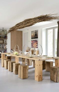 dining table and stools. organic, unfinished look wood, lighting installation , central hanging pieces, kitchen interior Dining Room Design, Dining Area, Kitchen Dining, Dining Table, Patio Dining, Renovation Design, Wooden Tables, Table And Chairs, Table Stools