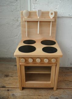 TRUCK- TRUCK mini kitchen… find a spot for it in my kitchen, so Anders can play while I cook. Baby Furniture, Doll Furniture, Kitchen Furniture, Furniture Design, Woodworking For Kids, Woodworking Projects, Woodworking Toys, Wooden Crafts, Wooden Diy