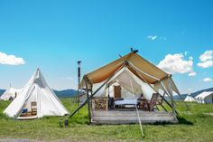 Best Glamping Holidays Resorts in America for Luxury Camping Lovers Luxury Camping, Go Camping, Outdoor Camping, Camping Hacks, Camping Cabins, Camping Outdoors, Camping Ideas, Campsite, Visit Yellowstone