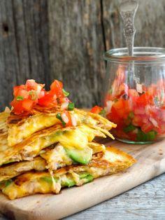 Quesadillas - med tunfisk Tex Mex, Bruschetta, Parmesan, Vegetable Pizza, Vegan Vegetarian, Quesadillas, Tuna, Nom Nom, Seafood
