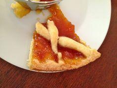 Η φανταστικοτρομερότερη ζύμη για πάστα φλώρα -επιβεβαιώνω κάθε φορά που τη φτιάχνω- είναι του σεφ Φαμπρίτσιο Μπουλιάνι. Είναι μιά πανεύκολη συνταγή - θησαυ Greek Sweets, Greek Desserts, Greek Recipes, Desert Recipes, Cookie Dough Pie, Greek Cooking, Sweet Pie, My Dessert, Canning Recipes