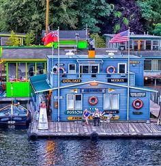 Seattle Houseboats | Seattle is noted for it's neighborhood of Houseboats. These are truly floating homes that are moored on Lake Union with outrageous views of downtown.