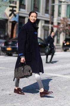 runwayandbeauty: Fei Fei Sun - New York Fashion Week Fall Model Street Style, Casual Street Style, Street Chic, Fei Fei Sun, Autumn Winter Fashion, Fashion Spring, Winter Style, Fall Winter, Tomboy Fashion