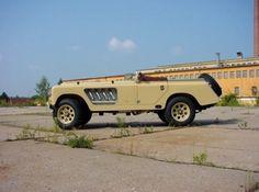 Bell Aurens Longnose Turns Land Rover Defender Into Roadster